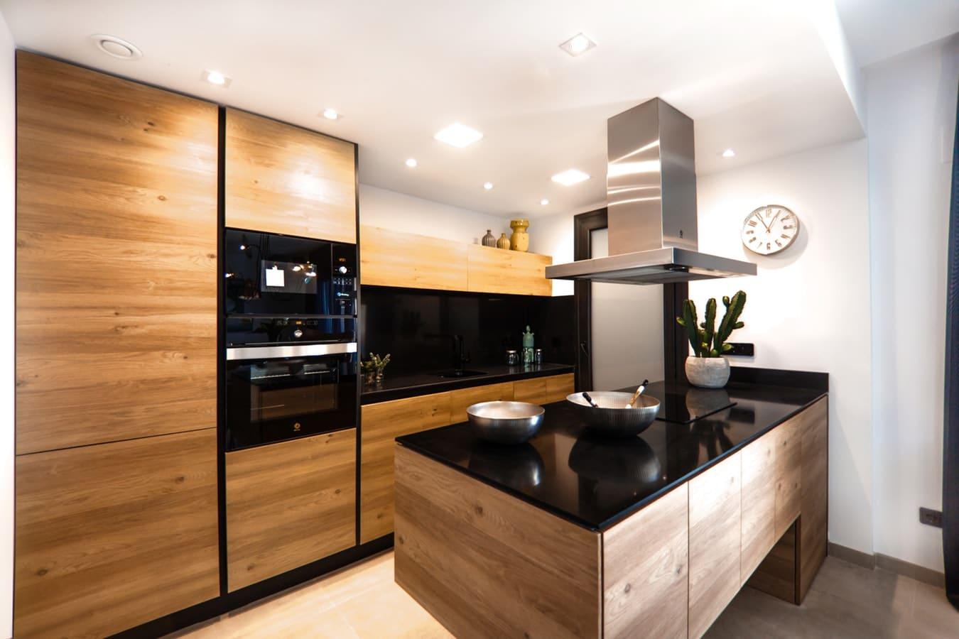 Keuken met oven en magnetron los
