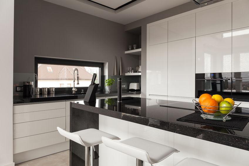 keukentrends 2021 keuken met hoge kastenwand
